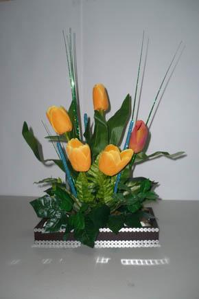 Centros de mesa con flores artificiales for Como hacer adornos con plantas artificiales